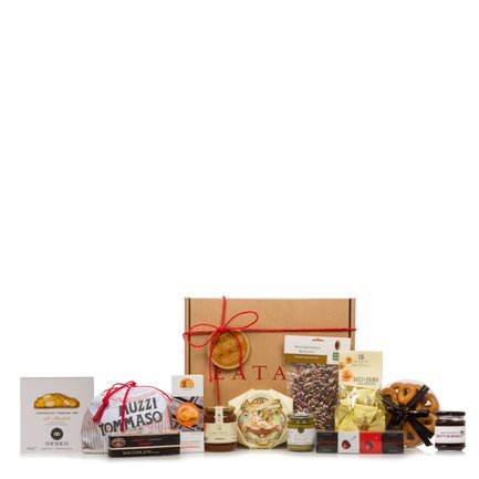 Christmas hamper with traditional Italian sweets