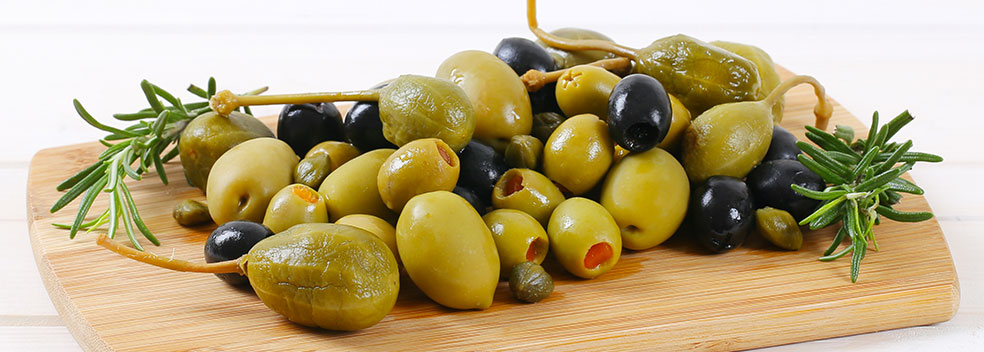 Olives et câpres